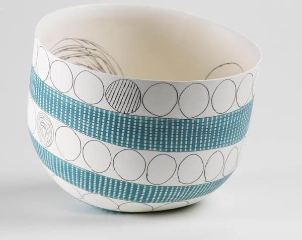 lara-scobie-contemporary-ceramic-pot-scribbles