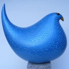 http://www.ceramicfusionart.com/images/maggie-davies-contemporary-animalier-bird-figurine