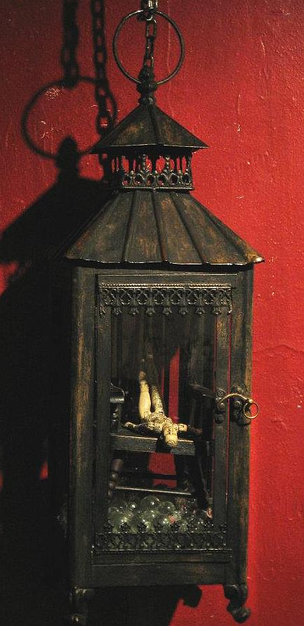 twelvemo-sarah-beare-articulated-doll-assemblage-lamp